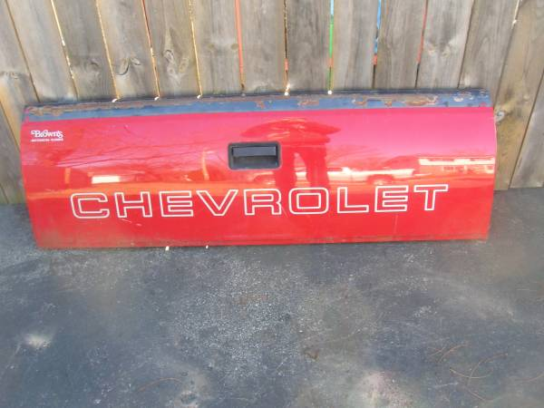 Photo 1995 Chevy Truck Tailgate oem - $1 (janesville wi)