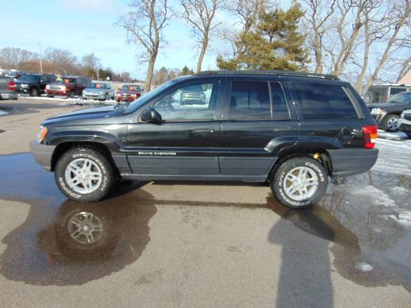 Photo 2003 JEEP GR CHEROKEE LAREDO 4DR 4X4 LOADED INLINE 6 CLEAN SUV RUNS A1 - $3,975 (I94EAST OF LAKE GENEVAUNION GROVE WI)