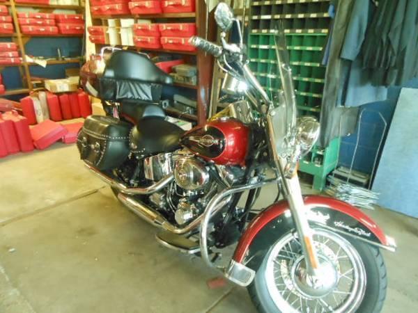 Photo 2006 FLSTCI Heritage Classic - $6,000 (Whitewater)