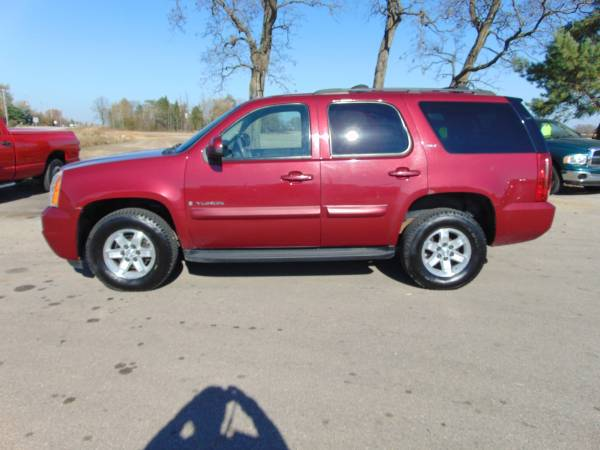 Photo 2007 CHEVY TAHOE 4DR SLT 4X4 LOADED 3RD_ROW_DVD_MOONROOF 5.3LV8 CLEAN - $7,975 (I94EAST OF LAKE GENEVAUNION GROVE WI)