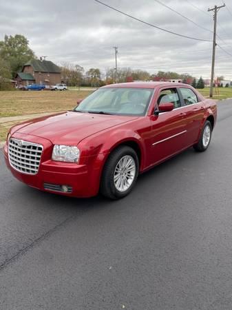 Photo 2008 Chrysler 300 gtgt HEATED SEATS - $3,950 (Beloit)