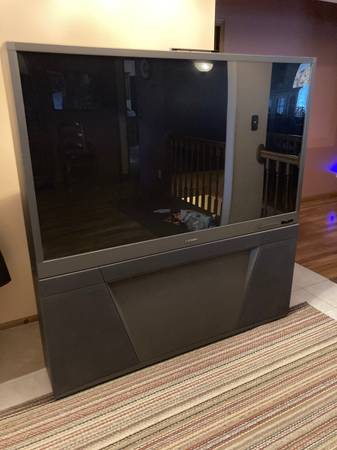 Photo 65quot BIG SCREEN TV - WORKS GREAT - $50 (ROSCOE)