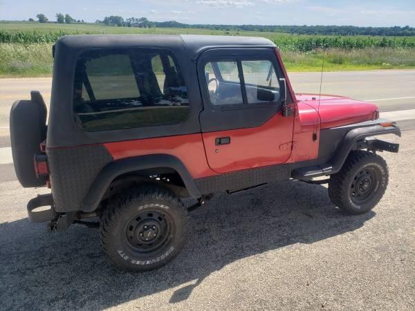 Photo 94 Jeep Wrangler - $3000 (Winnebago Il)