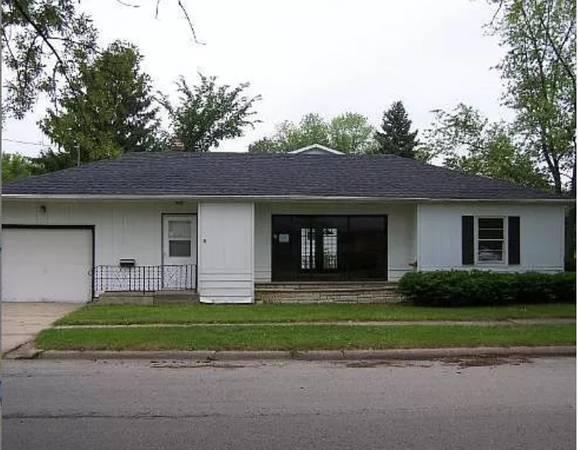Photo CHARMING 2 BEDROOMS 1 BATHROOM GUEST HOUSE FOR LEASE IN THE HEART OF C (Rockford, IL)