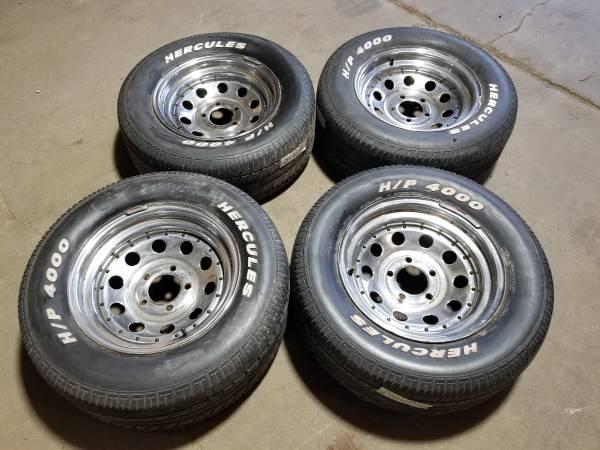 Photo Chevy Blazer Isuzu CHROME Truck SUV 15quot Rims Tires Old School 5x4.75 - $180 (Lovespark)