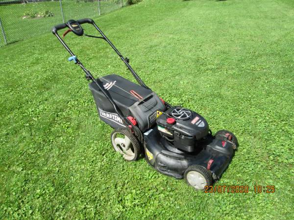 Photo Craftsman Self Propelled Lawn Mower - $100 (Genoa, IL.)