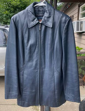 Photo DANIER BLUE LEATHER JACKET THERMOLITE LINED COAT WOMENS SIZE SP GREAT - $35 (Rockford)