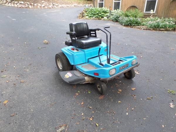 Photo Dixon 4421 zero turn mower - $300