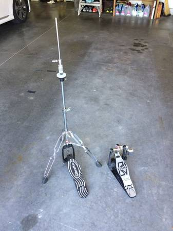 Photo Drum hardware stands, pedal, rims, etc. - $175 (sterling)