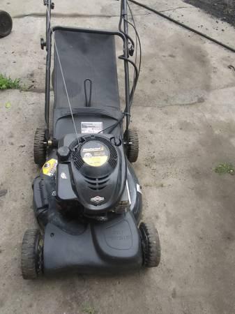 Photo Electric start self propelled mower - $40 (Freeport)