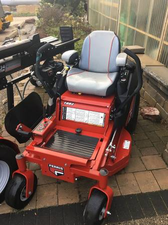 Photo Ferris F60 commercial zero turn mower NEW - $4899 (Rockford)