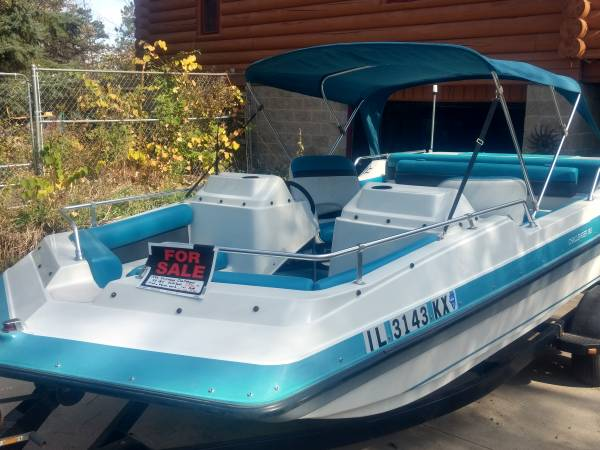 Photo Hurricane Challenger Deck Boat - $1,800 (Loves Park)