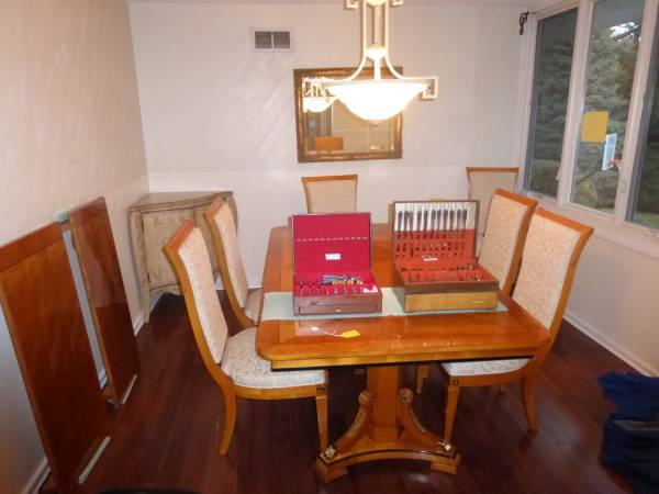Photo Lake Forest Estate Sale Furniture, Decor, Designer Clothes, More (Lake Forest)