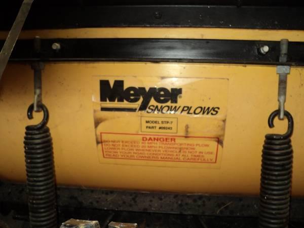 Photo Meyers snow plow - $2,000 (Freeport)