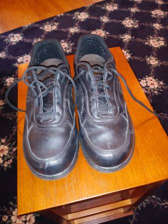 Photo New Balance mens shoes 912M, cherry valley - $25