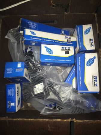 Photo New Dodge Neon 2000-2005 Front End Kit Tie Rods BallJoints ControlArms - $150 (Belvidere)