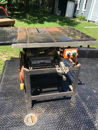 Photo Old 10 Craftsman Table Saw With Stand And Wheels - $200 (Belvidere)