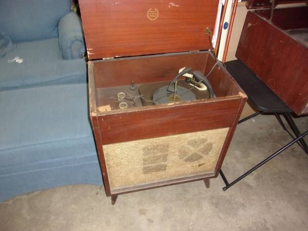 Photo Old Record players (Freeport)