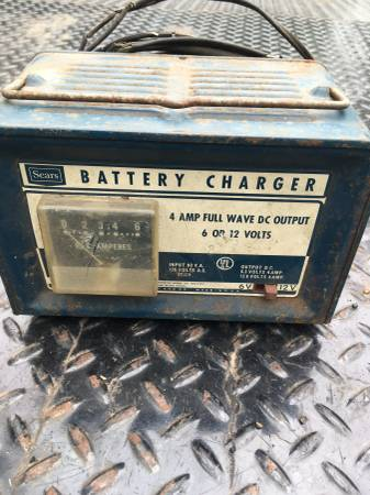 Photo Old Sears 612 Volt Battery Charger - $35 (Belvidere)