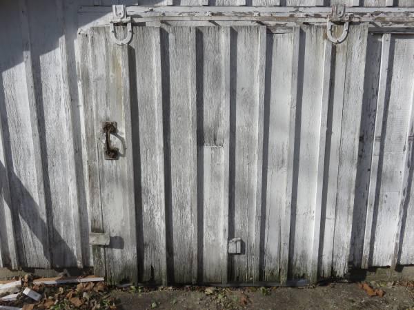 Photo Old Sliding Barn Door - $60 (Pecatonica)
