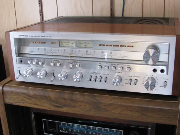 Photo Pioneer SX 1050 Receiver - $1150 (rockford)