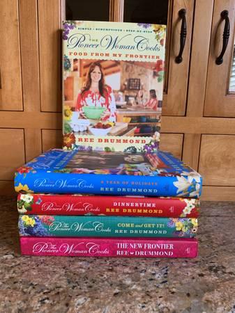 Photo Pioneer Woman Cookbooks - $10 (Barrington)