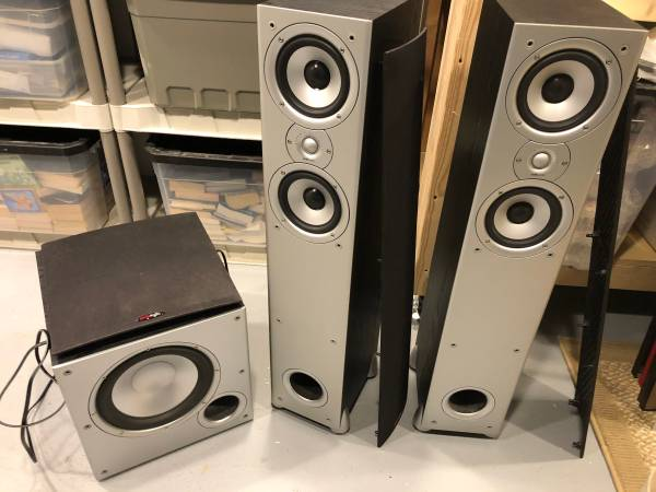 Photo Polk tower speakers w 10 inch powered subwoofer - $200 (Belvidere)