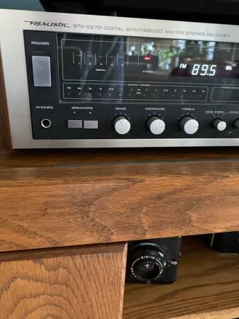 Photo Realistic AMFM stereo receiver STA-2270 - $75 (Rockford)