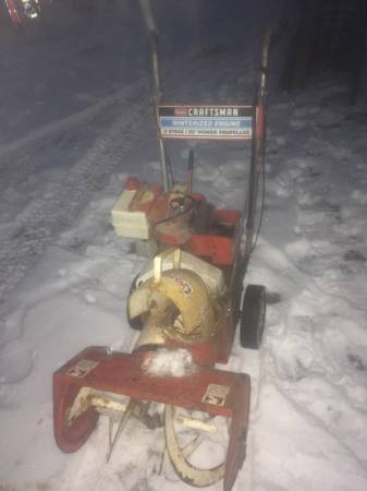 Photo Sears Craftsman 2 Stage 20quot Winterized Snowblower Electric Start - $30 (Belvidere)