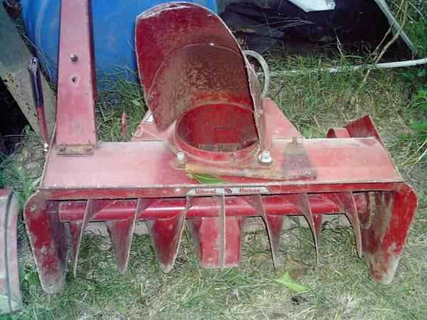 Photo Toro Wheel Horse 30quot Snow Blower For Garden Tractor - $200 (Belvidere)