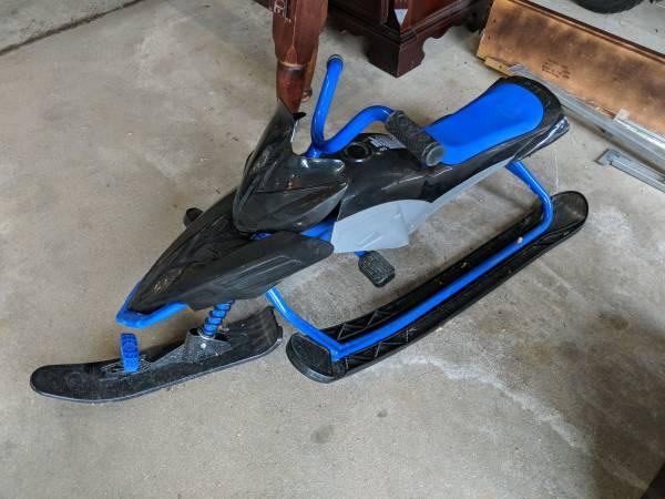 Photo Tri ski sled snow racer bike trike - $15 (Loves Park)