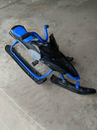 Photo Tri ski sled snow racer bike trike - $40 (Loves Park)