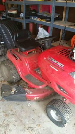 Photo Troy-Bilt riding lawn mower, Troy-Bilt self-propelled mower, Craftsman wheelbarr (Rockford)
