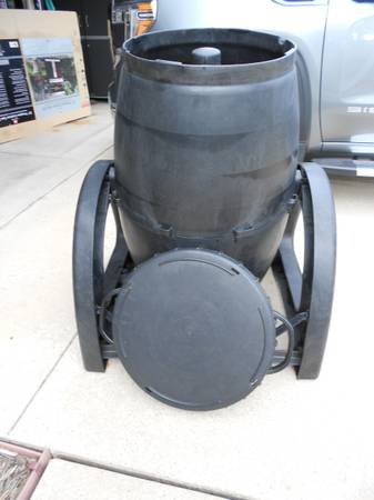 Photo Urban Compost Tumbler - $25 (Rockford)