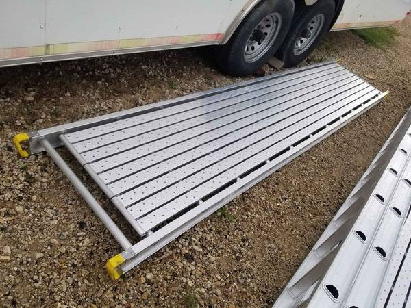 Photo Werner 1239 long 28quot wide aluminum plank stage scaffold scaffolding - $275 (woodstock il)