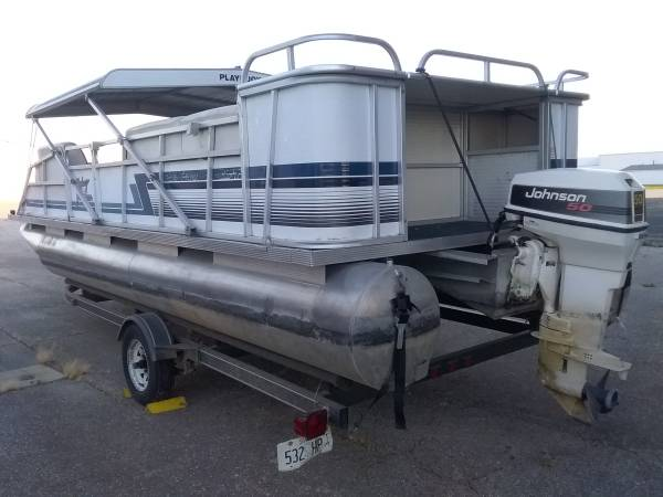 Photo quot92quotPlaybuoy Yachtsman 20ft Pontoon boat with 50hp 2 stroke Johnson - $4,000 (Rockford 5187 Falcon Road)