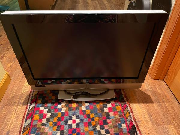 Photo 26 and 32 inch VIZIO TV39s - $30 (Steamboat Springs)