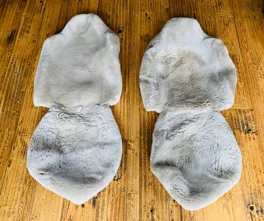 Photo $550 Genuine CUSTOM SHEEPSKIN FORD F450 PREMIUM CAR TRUCK SEAT COVERS - $58 (Breckenridge, Colorado)