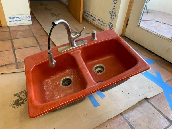 Photo Cast Iron Kohler Kitchen Sink (Edwards)