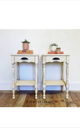 Photo Farmhouse white end table, Antique white nightstand, Bedroom furniture - $275