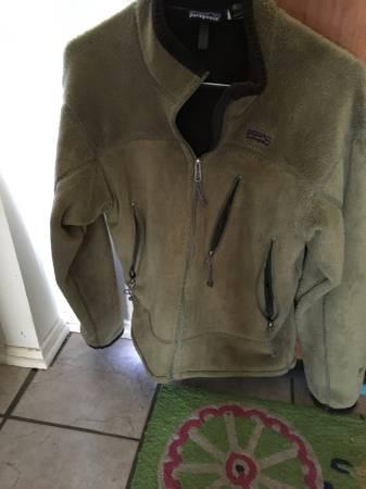 Photo Patagonia MM fleece jacket - $25 (Old Town Longmont)