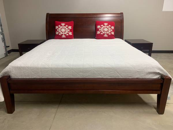 Photo Pottery Barn King Bedroom Set - $600 (Fraser, CO)
