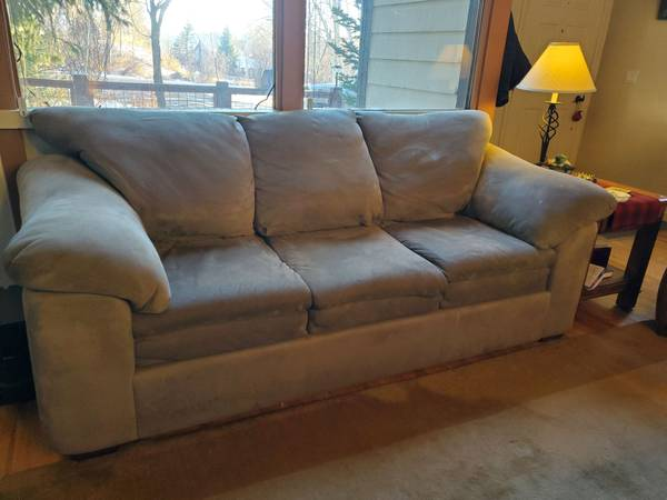 Photo Really nice sleeper sofa couch - $200 (Steamboat Springs)