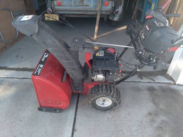 Photo Sears 26 inch 2 stage snowblower snow thrower electric start new carb - $300 (Fort Collins)