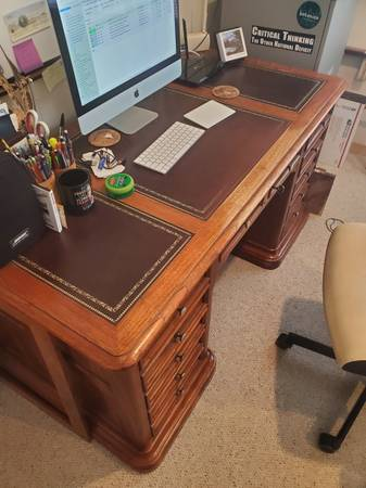 Photo Solid Oak Desk with leather inlay top and gold figuring, 5 drawer - $400 (Eagle, Colorado)