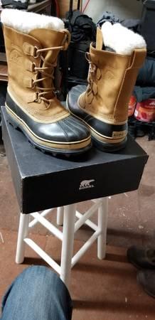 Photo Sorel Caribou snow boots womens size 9 - $85 (COPPER MOUNTAIN)