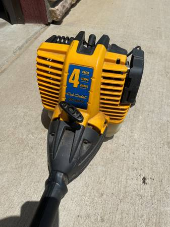Photo Weed eater (Cub Cadet - 4 Cycle String Trimmer) - $30 (Granby)