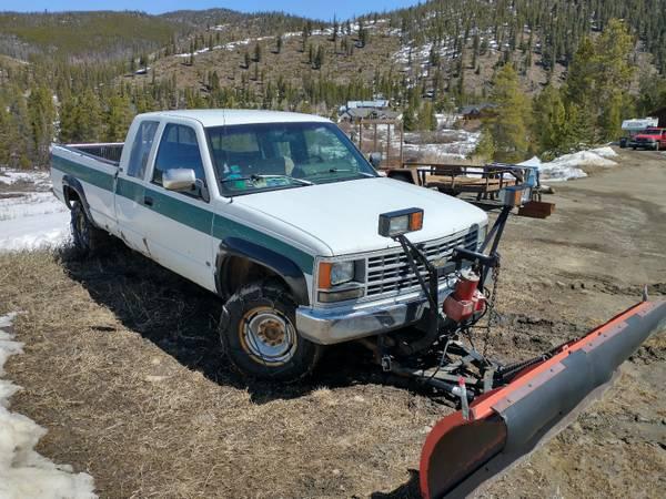 Photo Western snow plow ($800) on 90 Chevy 2500 ($700)(needs transmision) - $1,500 (Breckenridge)
