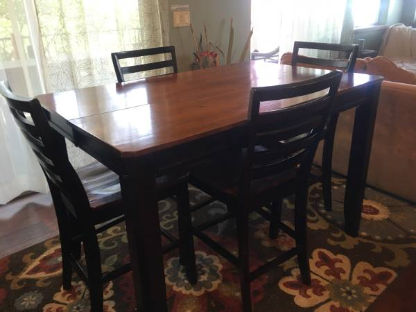 Photo Wood, counter height table with 6 chairs - $150 (Leadville)