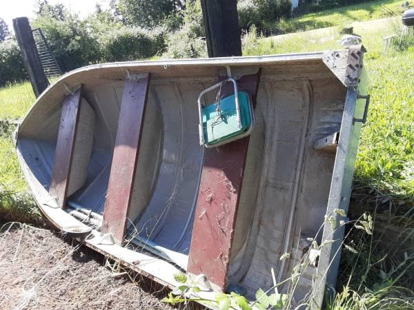 Photo 12 ft mirrocraft aluminum boat - $300 (Yoncalla)